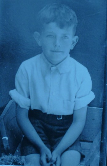 Keith Holmes as a school boy. This was the only school photo Keith remembers having taken during the War
