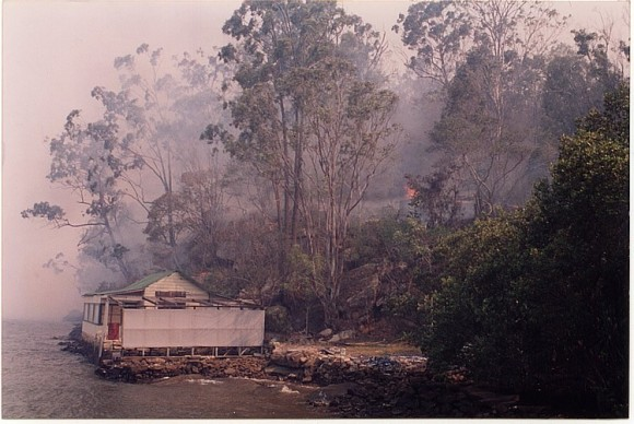 Fire threat at Melvy's Wharf 1994